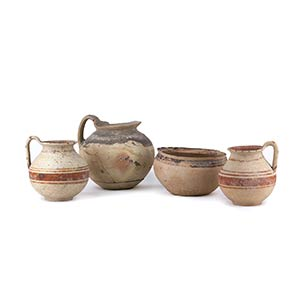 Gruppo di quattro vasi Dauni V secolo a.C. ...