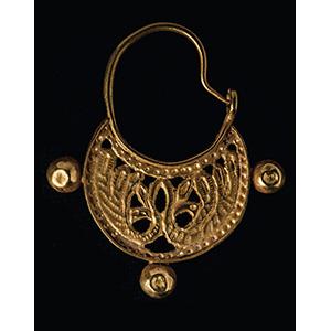 Orecchino in oro di epoca bizantina  VI - ...
