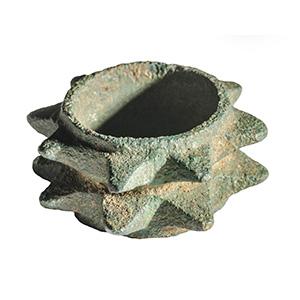 Anello cuspidato in bronzo III-II secolo ...