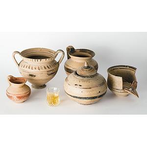 Cinque vasi Dauni Apulia, IV secolo a.C.; ;  ...