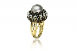 Yellow gold cultured pearl and ...