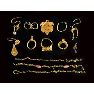 A group of gold roman jewellery. gr. 19,75 ...