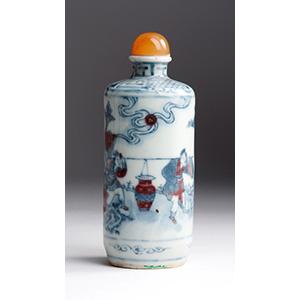 Painted porcelain snuff bottle; XIX Century; ...