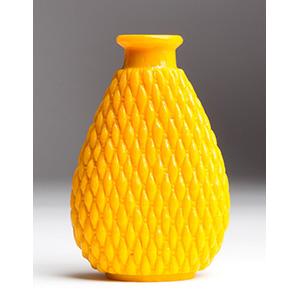 Imperial yellow glass snuff bottle; XIX ...
