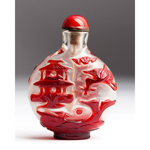 Overlay glass snuff bottle; XX Century; 6,5 ...