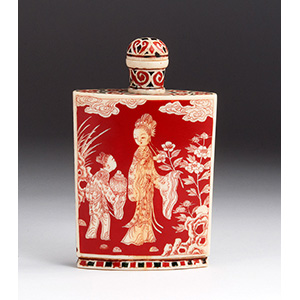 A Fine Japanese Ivory and Lacquer snuff ...