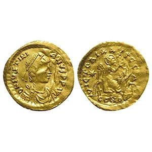 Justinian I (527-565). AV Semissis (18mm, ...