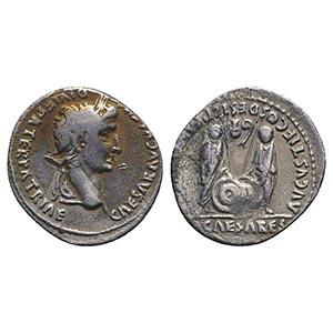 Augustus (27 BC-AD 14). AR Denarius (20mm, ...
