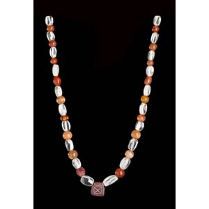 A STONE AND QUARTZ BEADS NECKLACE WITH ...