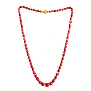 Coral necklace   strand of graduated ...