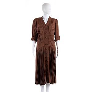 CAROSA SHANTUNG DRESS Early 50s  A rusty ...
