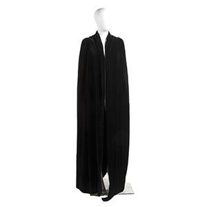 MOLYNEUX EVENING CLOAK30s  Black velvet ...