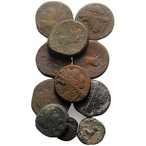 Apulia, lot of 11 Greek Æ coins, including ...